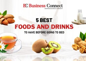 5 Best Foods and Drinks to Have Before Going to Bed