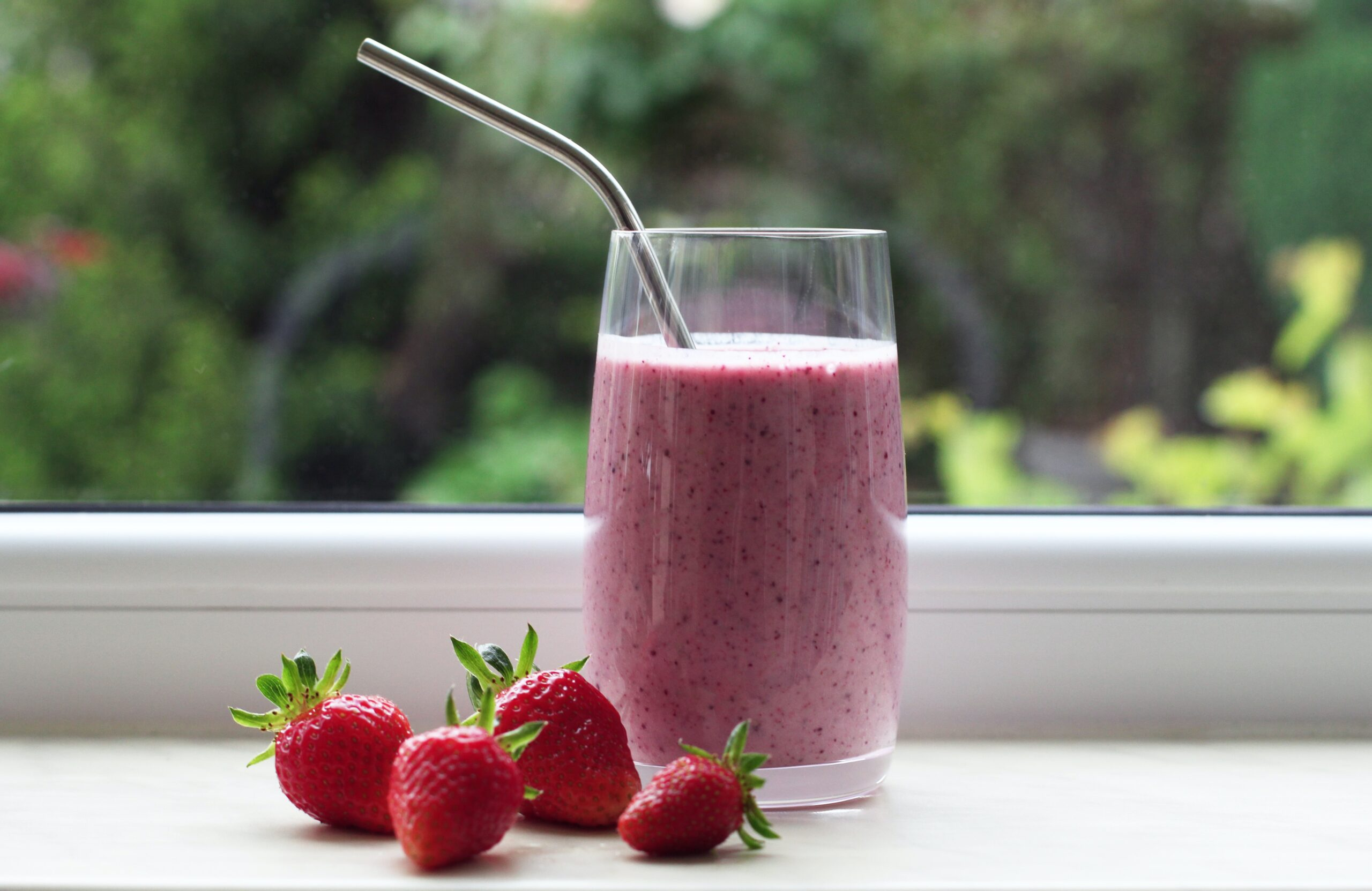 Fruit Juices | 9 Perfect Morning Drinks for Healthy Skin and Hair