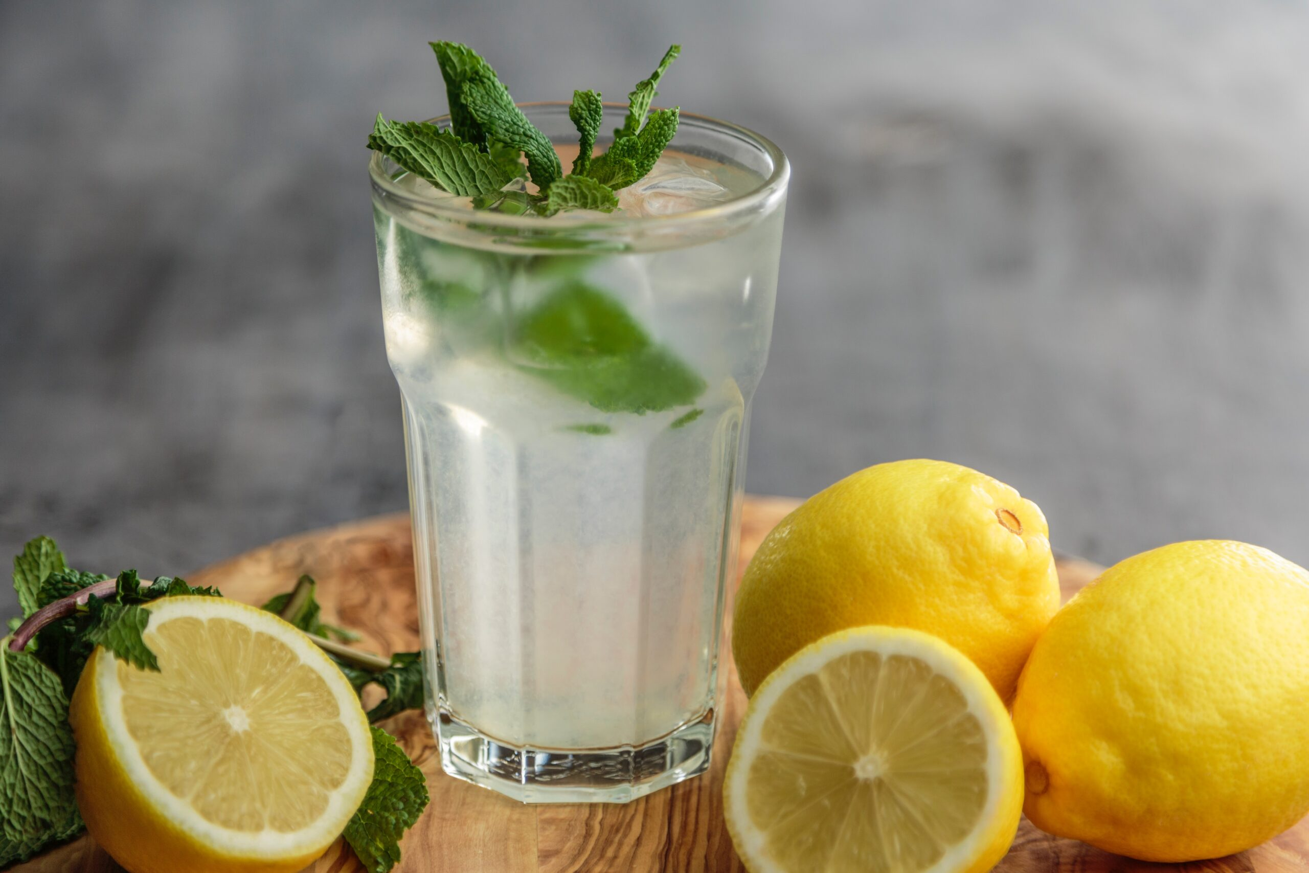 Lemon Water | 9 Perfect Morning Drinks for Healthy Skin and Hair